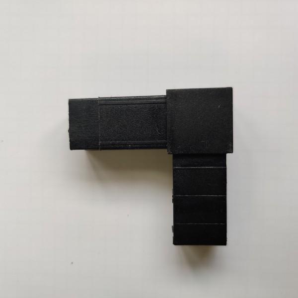 Соединитель «Угловой» для квадратной трубы 20х20х1,5мм  77888