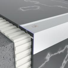 Алюминиевый профиль лестничный 30мм х 30мм, рифленый. 5303 1
